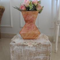 Base para decoração: reciclagem papelão